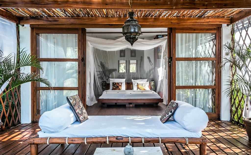 Baia Sonambula - Where to Stay in Mozambique